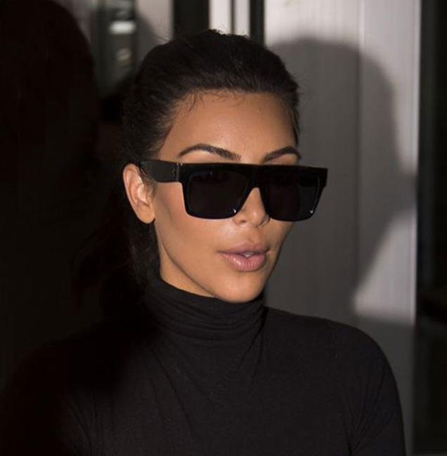 Ким Кардашьян в вайфарерах