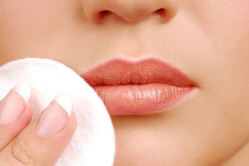 очищение кожи губ
